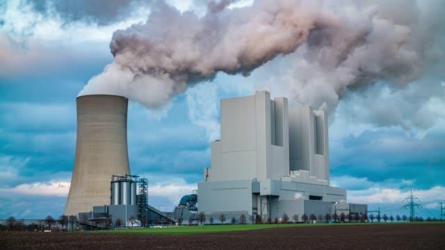 vídeos de stock e filmes b-roll de power plant - combustível fóssil