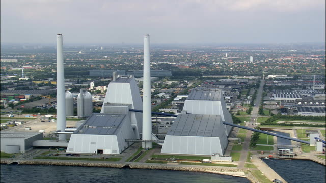 kraftwerk-luftaufnahme-capital region koehler hvidovre, dänemark - kommune stock-videos und b-roll-filmmaterial
