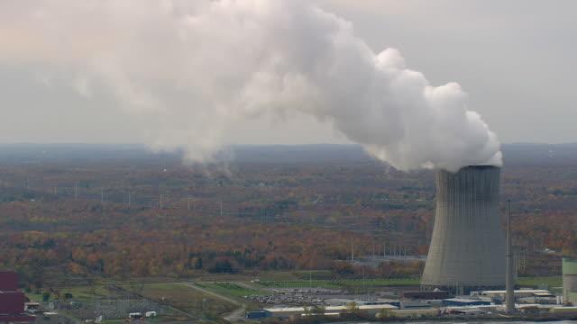 power station at sunset bay park - 工場の煙突点の映像素材/bロール