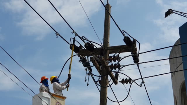 powerline workers - power line stock videos & royalty-free footage