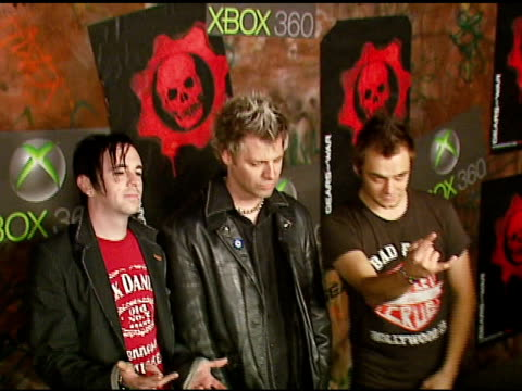 powerman 5000 at the xbox 360 'gears of war' launch at hollywood forever cemetery in los angeles, california on october 25, 2006. - ギアーズオブウォー点の映像素材/bロール