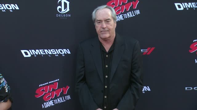 powers boothe at sin city a dame to kill for los angeles premiere at tcl chinese theatre on august 19 2014 in hollywood california - mann theaters bildbanksvideor och videomaterial från bakom kulisserna