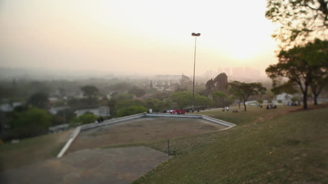 vídeos de stock, filmes e b-roll de ws praca do por do sol por do sol square / sao paulo, brazil - praça