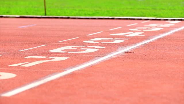 練習ランナーのトレーニング - 陸上競技大会点の映像素材/bロール