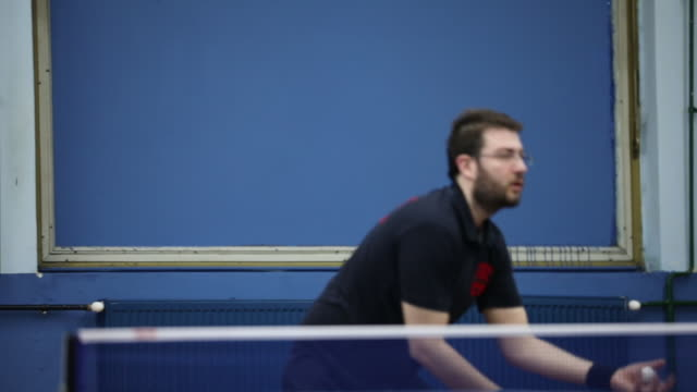 卓球の練習 - ライバル点の映像素材/bロール