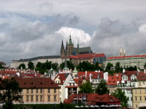 prague castle, zoom in from charles bridge - charles bridge stock videos & royalty-free footage