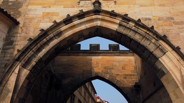vídeos y material grabado en eventos de stock de vista de la ciudad vieja de praga en la república checa - stare mesto