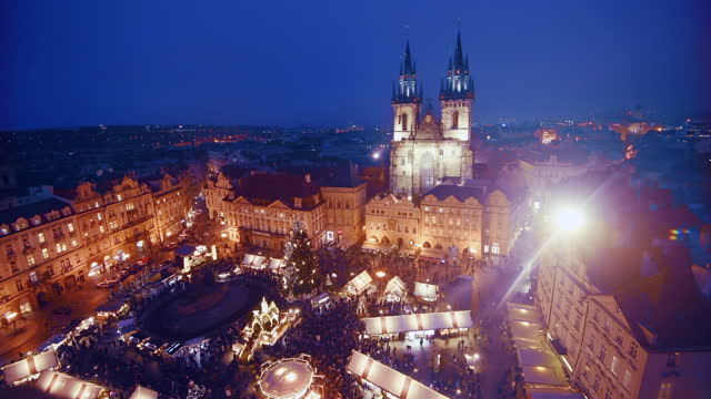 prague old town christmas market - stare mesto stock videos & royalty-free footage