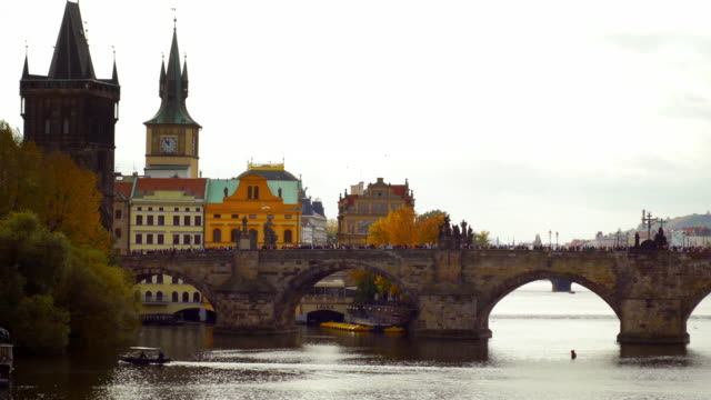 prague old town riverbank and charles bridge - stare mesto stock videos & royalty-free footage