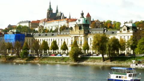 プラハ straka アカデミーとフラッチャニの丘 - 聖ヴィート大聖堂点の映像素材/bロール