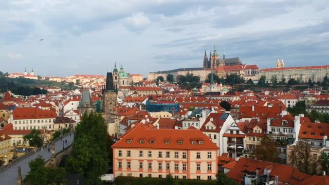 vídeos y material grabado en eventos de stock de prague view - castillo de hradcany
