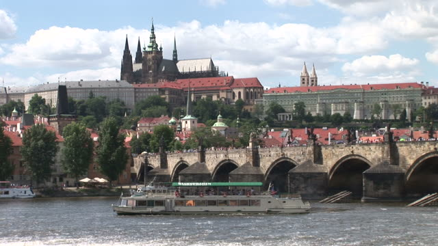 praguecharles bridge over vltava river in prague czech republic - 宗教施設点の映像素材/bロール