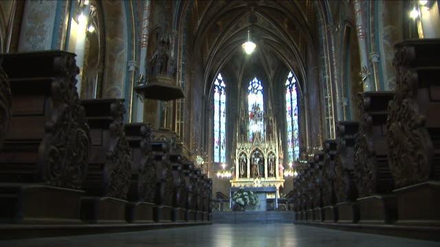 pragueinterior view of a church in prague czech republic - tschechische kultur stock-videos und b-roll-filmmaterial