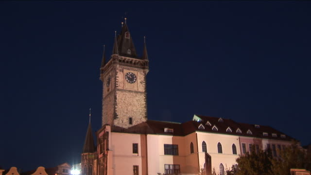 pragueview of clock tower in old town square of prague czech republic - altstädter ring stock-videos und b-roll-filmmaterial