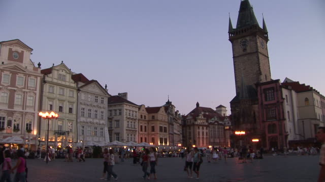 pragueview of old town square in prague czech republic - altstädter ring stock-videos und b-roll-filmmaterial