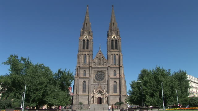 pragueview of st. ludmila church in prague czech republic - 宗教施設点の映像素材/bロール