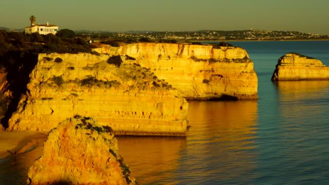 praia da marinha, algarve, atlantic ocean, portugal, europe - algarve stock videos & royalty-free footage