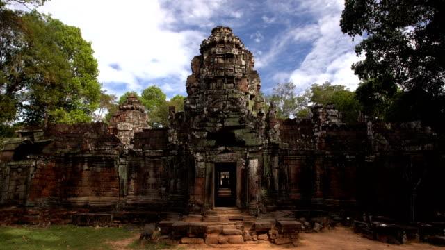プラサット バンテアイ カデイ寺院 - 寺院点の映像素材/bロール
