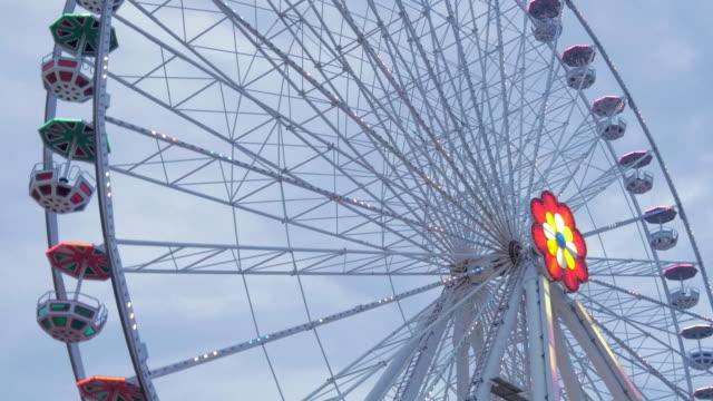 prater fairground.big wheel.angle shot medium. - プラーター公園点の映像素材/bロール