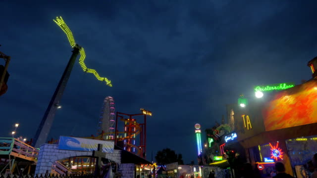 prater fairground.night time - prater park stock videos & royalty-free footage