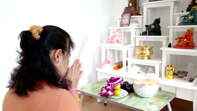 vídeos de stock e filmes b-roll de pray - confiabilidade
