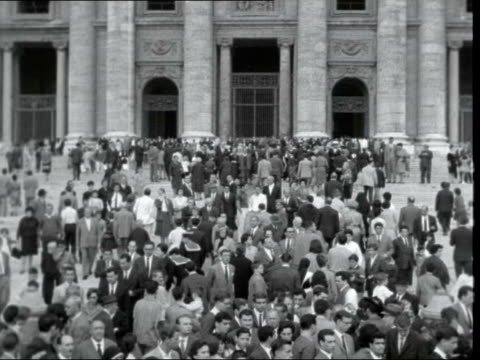 prayers for pope john xxiii; vatican city: st peter's square: ext gvs crowds of people in square - pope john xxiii stock videos & royalty-free footage