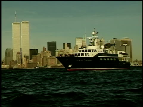 pre9/11 nyc skyline and the highligher yacht - petronas twin towers stock videos & royalty-free footage