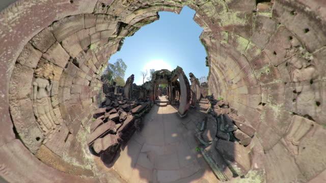 preah khan temple with apsara relief - 砂岩点の映像素材/bロール