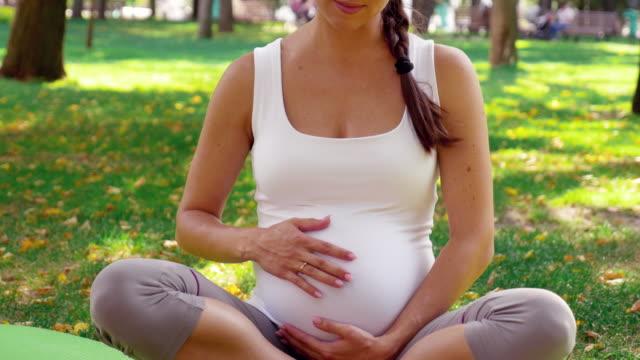 vidéos et rushes de grossesse/naissance - ukraine