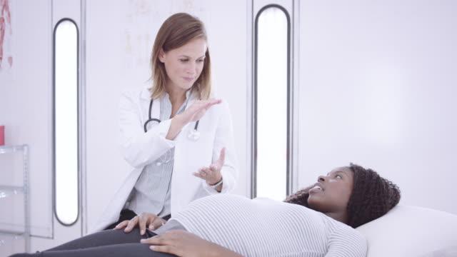 4K UHD: Pregnant woman at a medical checkup