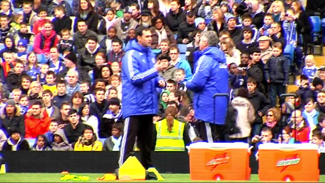 Chelsea squad training Chelsea players training including Terry Lampard Ballack Hiddink talks to Chelsea coaching staff More of Chelsea players...