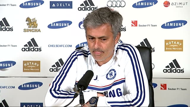 crystal palace score three goals in eleven minutes against liverpool surrey cobham jose mourinho press conference sot - コブハム点の映像素材/bロール