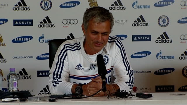 new season preview / future of star players london stamford bridge int jose mourinho press conference sot photographers at press conference - スタンフォードブリッジ点の映像素材/bロール
