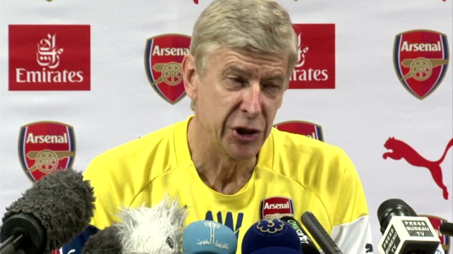 round up england london int arsene wenger press conference sot i have no personal animosity against fabregas / i wish him well / he is a great player... - itv weekend lunchtime news点の映像素材/bロール