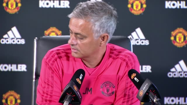 transfer deadline day england greater manchester int jose mourinho press conference sot market closes today/ time for me to stop thinking about the... - ジョゼ・モウリーニョ点の映像素材/bロール