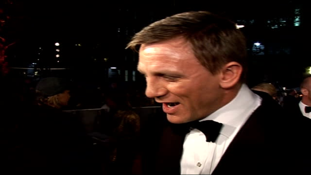Premiere of new James Bond film 'Casino Royale' ** 'Casino Royale' theme music heard throughout SOT** London Leicester Square Odeon Cinema Daniel...