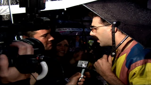 premiere of sacha baron cohen's film 'borat' 'borat' talking to press sot discusses his popularity and the film including negative reaction and... - borat sagdiyev stock-videos und b-roll-filmmaterial
