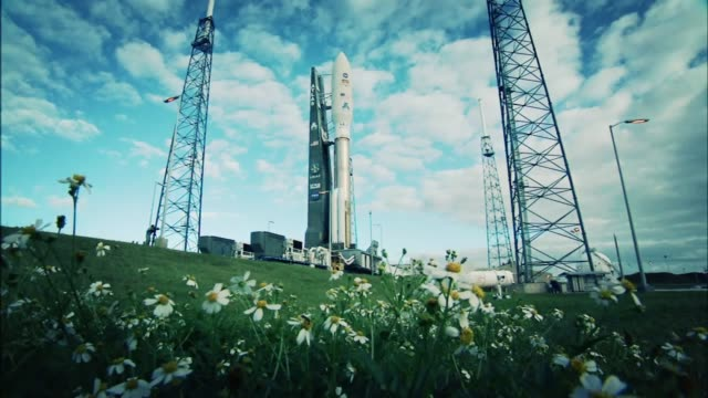 / preparation of the Atlas V rocket that will launch the Mars Curiosity Rover into space / crowds waiting for launch / NASA Administrator Charlie...