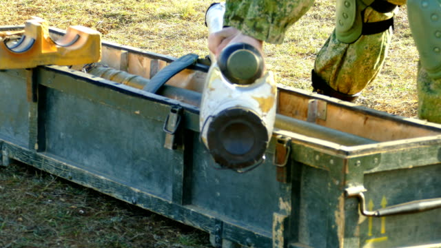 preparation of the rocket launcher to repel airstrike - rocket launcher stock videos & royalty-free footage