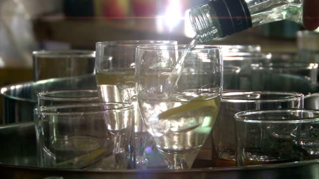 Vorbereitung Getränke für den Empfang