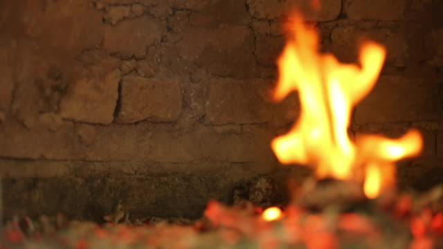 preparing fire with wood in a clay oven - hearth oven stock videos & royalty-free footage