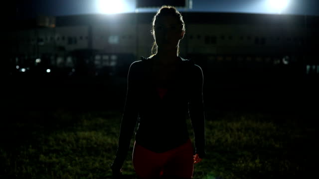 preparing for running at night - athlete stock videos & royalty-free footage