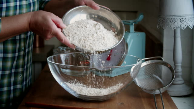 preparing fresh healthy bread - pane a lievito naturale video stock e b–roll