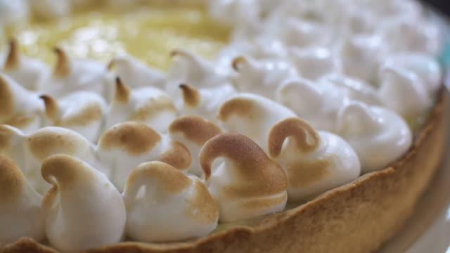preparing lemon meringue pie - meringue stock videos & royalty-free footage