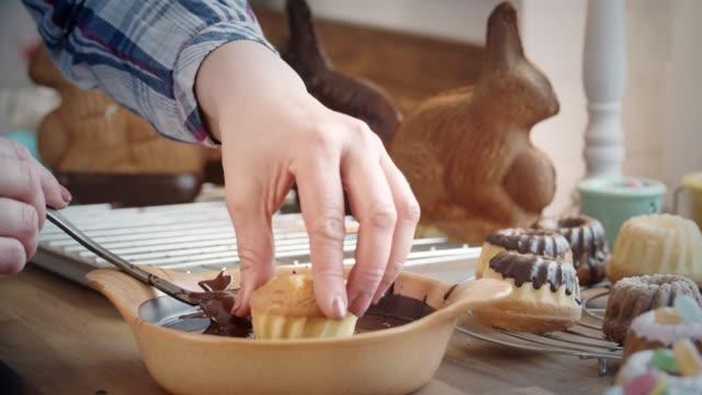 Preparing Small Easter Bunt Cakes