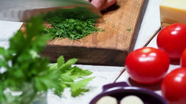準備填充茄子 - parsley 個影片檔及 b 捲影像