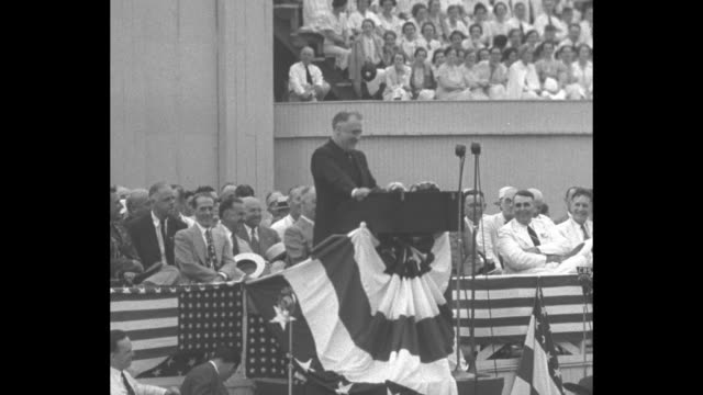 pres franklin roosevelt standing at podium on platform speaking talking about president thomas jefferson making louisiana purchase and ignoring... - thomas jefferson stock videos & royalty-free footage