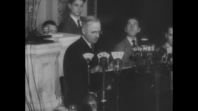 vs pres harry truman giving first speech to joint session of congress / war memorial opera house in san francisco / vs audience of first meeting of... - 1945 stock-videos und b-roll-filmmaterial