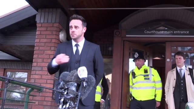 stockvideo's en b-roll-footage met tv presenter ant mcpartlin makes a statement outside wimbledon magistrates' court after receiving an £86000 fine and 20month driving ban for... - ant mcpartlin