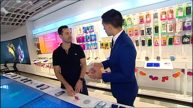 Presenters Sam Armitage and David Koch intro Shaun White reports from Telstra smart phone store TECH GIFTS VIRTUL REALITY INTERACTIVE DISPLAY AT...